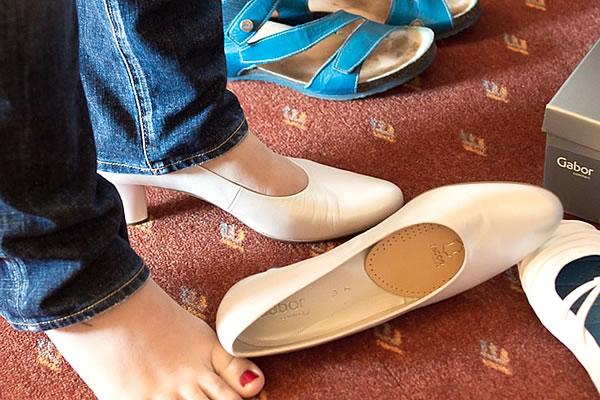 外出先でできる靴擦れへの対処法と、事前の予防法|マナトピ